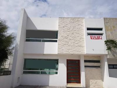 Gps/ Casa En Venta En El Refugio, Querétaro