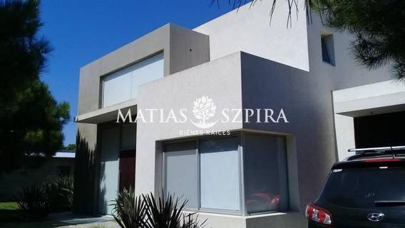 Hermosa Casa Minimalista En La Herradura, Pinamar