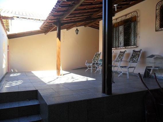 Casa Com 4 Quartos Para Comprar No Alvorada Em Divinópolis/mg - 671