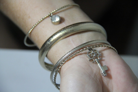 Conjunto Com 4 Braceletes