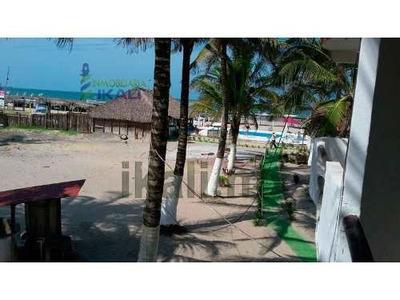Renta Hotel 10 Habitaciones Frente Mar Playa Tuxpan Veracruz México, Bonito Hotel Club Se Encuentra Ubicado A La Orilla De La Playa, Cuenta Con Restaurante, Cocina, Palapas, Alberca, Regaderas, Baños