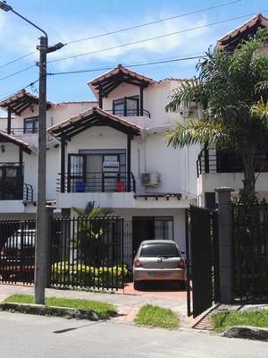 Casas En Venta Los Centauros 736-38