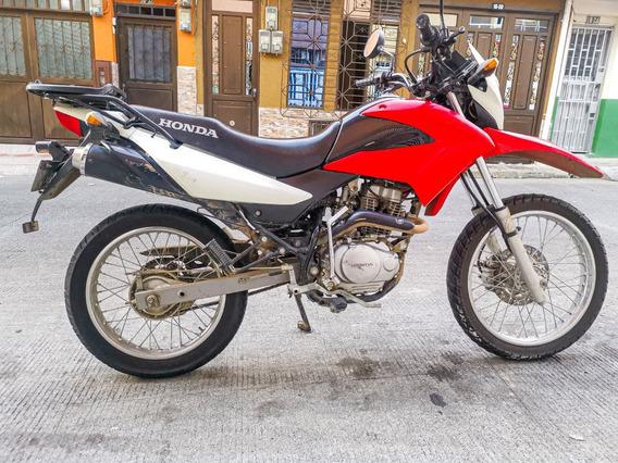 Honda Xr150 Rojo Con Blanco