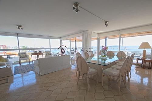 Apartamento Frente Al Puerto En Alquiler- Ref: 2563