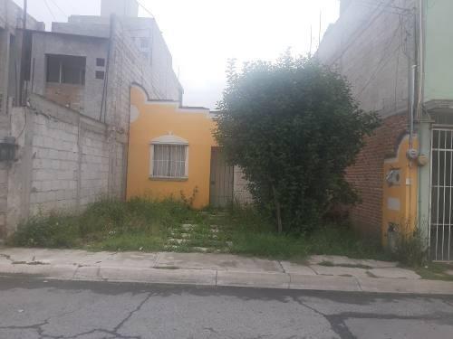 Remate En Fracc. Los Cipreses Cerca De Tulipanes 2rec. 105m2