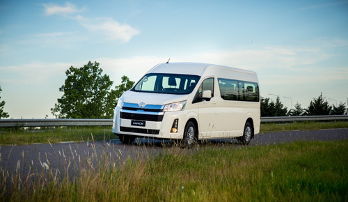 Toyota Hiace Commuter 2021 Furgon De Pasajeros 0km Gris