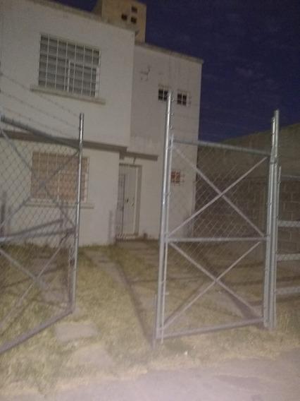 Casa En Renta Ferrocarrileros Santiago De Querétaro.