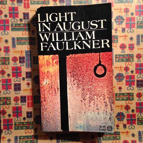 Imagen 1 de 1 de William Faulkner. Light In August.