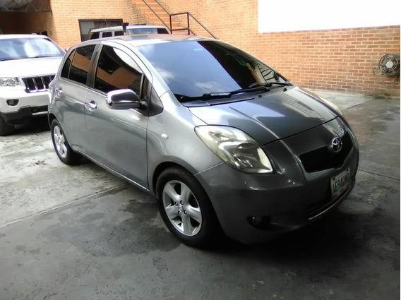 Toyota Yaris 2008 4 Puertas 138mil Km!!!