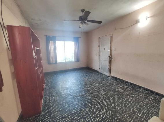 Casa En Alquiler 42 N°2265 E/ 140 Y 141