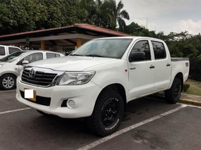 Toyota Hilux 2.5 Disel 4x4 Mecánica Modelo 2014