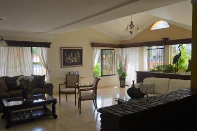 Apartamento Amueblado En La Zurza, Santiago