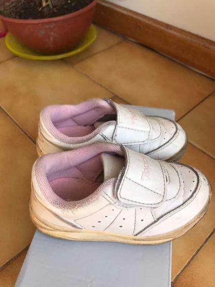 Zapatillas Topper Con Abrojo - Talle 24
