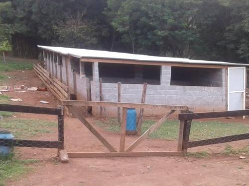 Sítio Com 3 Dormitórios À Venda, 20000 M² Por R$ 750.000 - Canedos - Piracaia/sp - Si0003