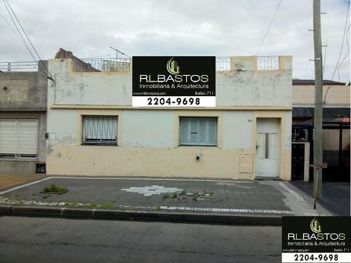 Imagen 1 de 14 de Hermosa Casa De 3 Amb Con Patio Y Terraza.