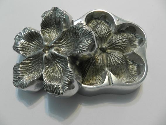Frisador Em Alumínio Para Forminhas De Doces