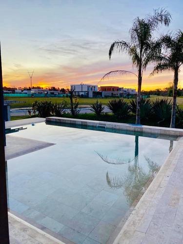 Venta Excelente Casa - Altos De Campo Grande - Pilar