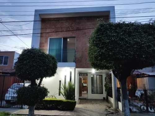 Casa 2471 Jardines Del Valle