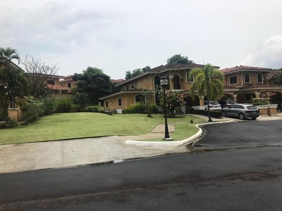 Linda Casa En Venta En Clayton Panamá Cv