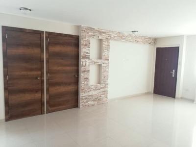 Casa En Arriendo Riobamba 4 Habitaciones A Estrenar