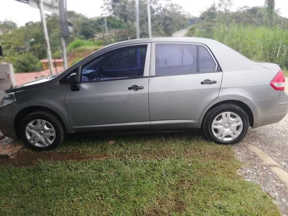 Nissan Tiida Nissan Tiida 2013