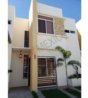 Hermosa Casa De Oportunidad En Condominio El Roble Lista Para Habitar
