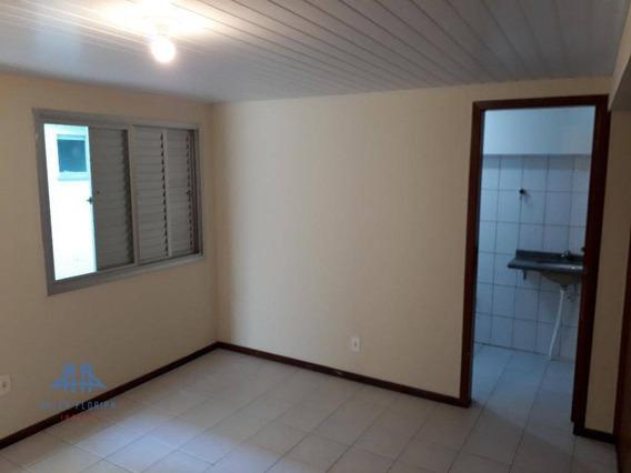 Kitnet Com 1 Dormitório Para Alugar, 25 M² Por R$ 750,00/mês - Pantanal - Florianópolis/sc - Kn0020
