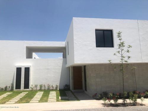 Casa En Renta En Altos De Juriquilla, Queretaro, Rah-mx-20-2031