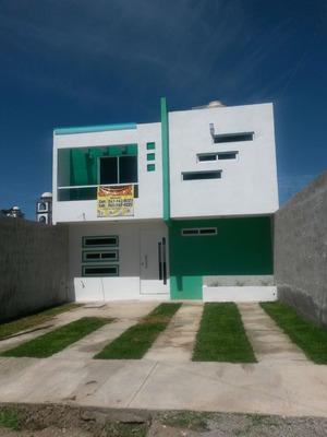 Casa De 4 Recámara,1/2 Baño,baño Completo,cisterna.