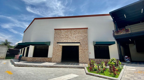 Imagen 1 de 6 de Local En Renta Plaza Orquideas Coatepec