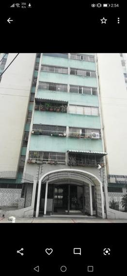 Apartamento En El Centro De Maracay 04144530004