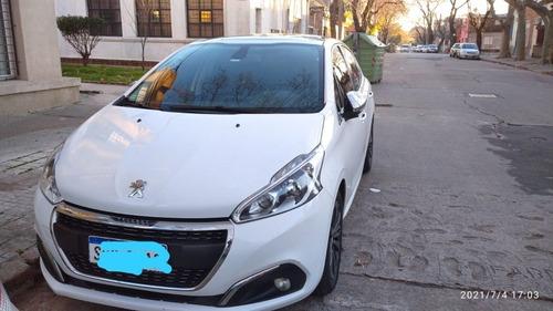 Peugeot 208 1.2 Turbo