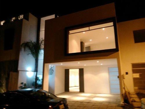 Casa En Renta Cuarta Cerrada Santo Domingo , Lomas De Angelopolis