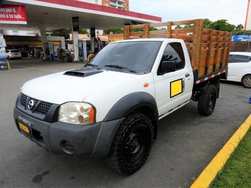 Nissan Frontier Np 300 Mt 2500 4x4 Estacas