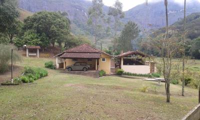 Fazenda Em Santa Rita De Jacutinga, Com 45 Hectares, Casa Muito Boa Com Área Gourmet.com 33 Mil Pés De Eucalipto. - 4115