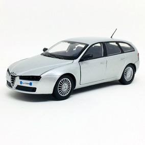 Miniatura De Alfa Romeo 159 Sw Prata 1:24 Motor Max 73372
