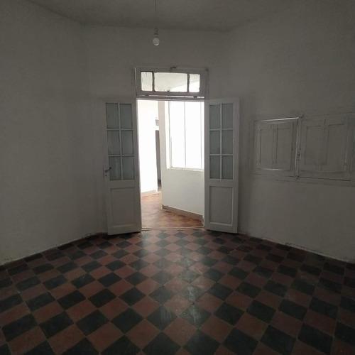 Casa En Alquiler De 2 Dormitorios En  General Paz