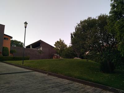 Casa En Vista Del Valle En Fraccionamiento Cerrado