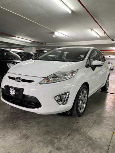 Ford Fiesta Kinetic Design 1.6 120cv Titanium 2012 Sepautos