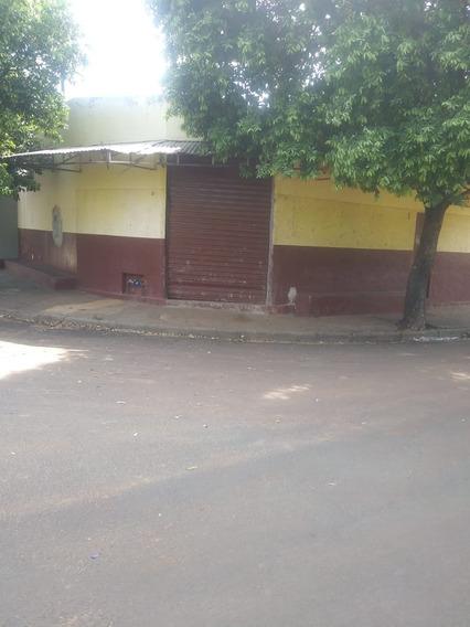 Araçatuba - Casa 5 Comodos + Salão Comercial Com Banheiro