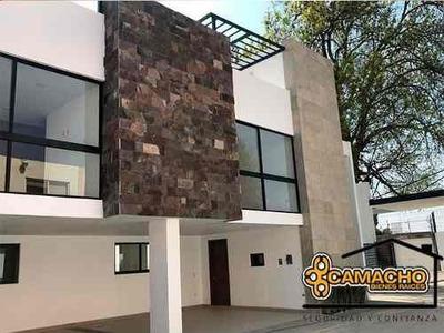 Casa En Venta En Santiago Momoxpan.