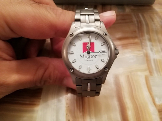 Reloj De Titanium Con Fechador Para Caballero