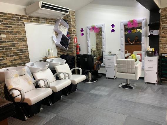 Vendo Punto Comercial Salón De Belleza Y Barberia