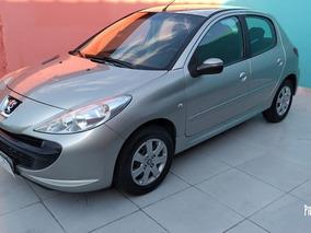 Peugeot 207 Hatch Xr 1.4 8v Flex 4p 2010