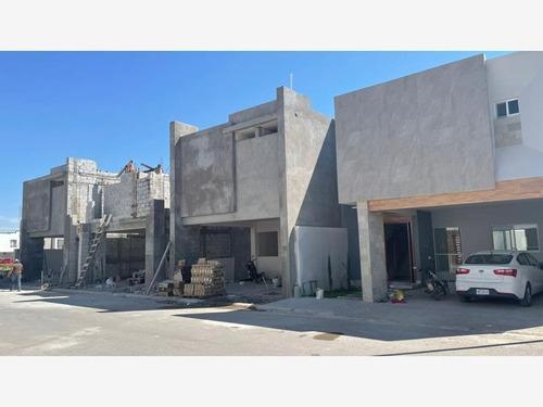 Imagen 1 de 7 de Casa Sola En Venta Los Viñedos