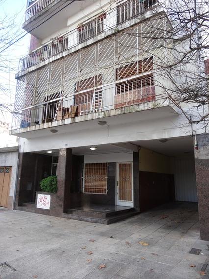 3 Ambientes - Amplio Balcón - Cocina Independiente- Lavadero