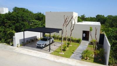 Hermosa Casa De Lujo Ubicada En Fraccionamiento La Rejoyada