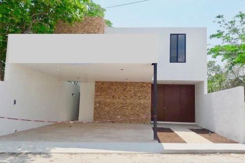 Casa Nueva De 4 Recámaras, Temozón Norte, Mérida