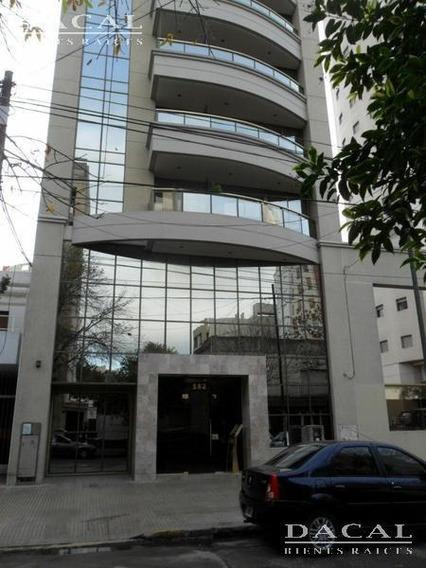 Departamento En Alquiler En La Plata Calle 14 E/ 43 Y 44 Dacal Bienes Raices