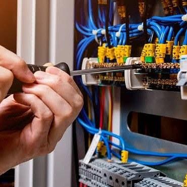 Imagem 1 de 2 de Eletricista 11 981145954 Sp